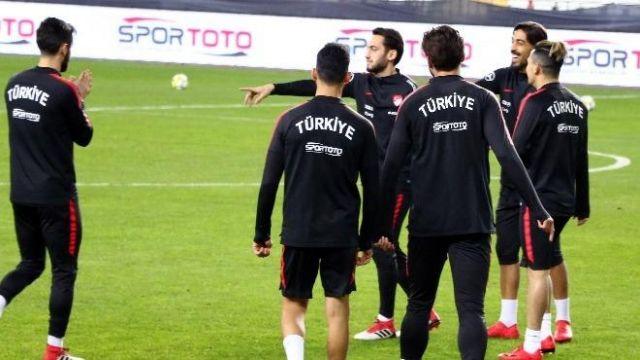 2 Milli maçı yine İstanbul'a verdiler
