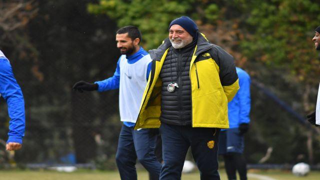 """Hikmet Karaman: """"Çok basit bir hatayla beraberlik golünü yedik"""""""