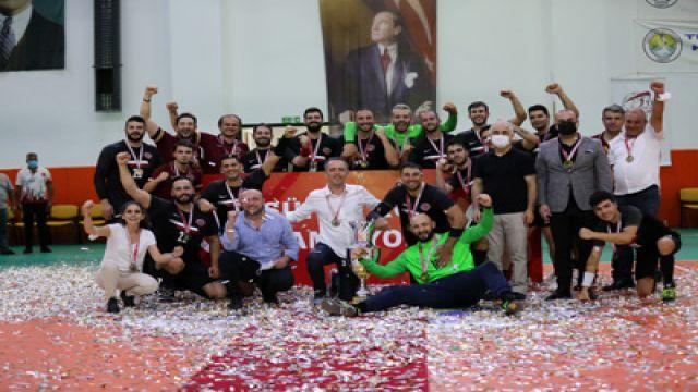 Hentbolda en büyük kupa Başkent'e geldi