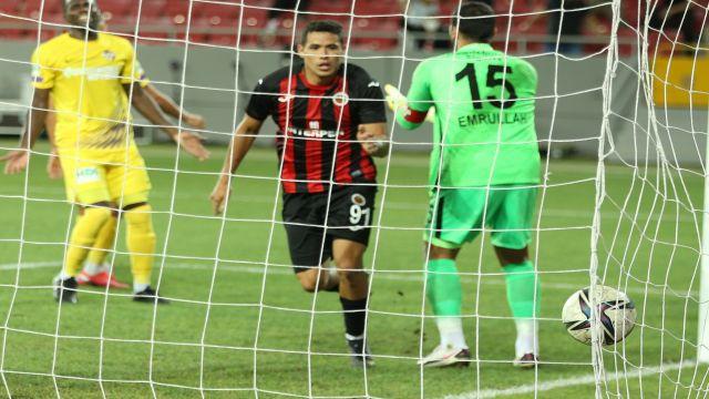 Sandro Lima'dan Türk futboluna övgü